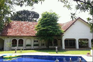Good Class Bungalow in District 10