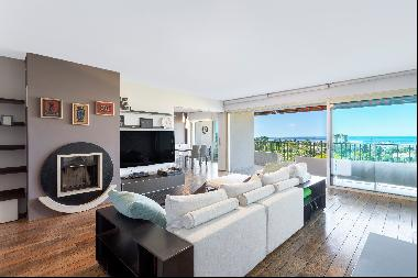 Luxurious 2 bedroom apartment with sea view for sale in Cannes Oxford