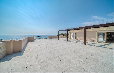 Luxury 3 beds apartment - a few minutes from Monaco and the seafront
