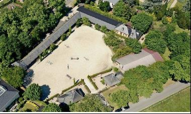 A remarkable equestrian property in the heart of Maisons-Laffitte Park. Created for Ameri