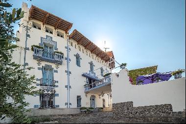 """The famous """"Casa Blaua"""" - Art and prestige in Cadaqués"""