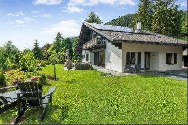 Luxury chalet with heated pool and breathtaking views of the Alps