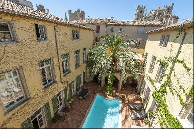 Historic residence in the town centre (4 apartments)