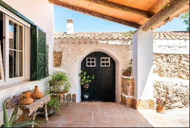 Mediterranean finca with pool and wonderful views of the countryside