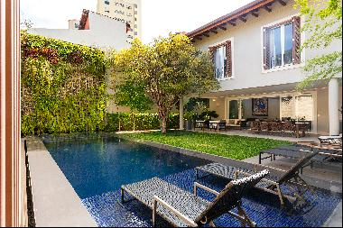 Modern house with gym and near Ibirapuera Park