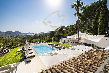 Modern Mediterranean Finca with sea views and guest houses in Port Andratx on Mallorca