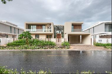 Exclusive | 6 Bed Arabesque | Pool & Landscaping | Full Golf Course Vi