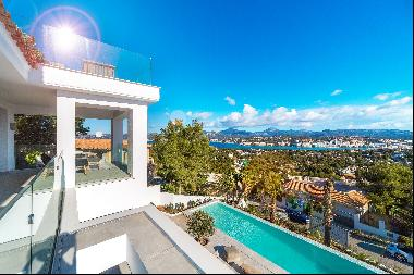 Luxury villa with fantastic sea view in top location in Santa Ponsa
