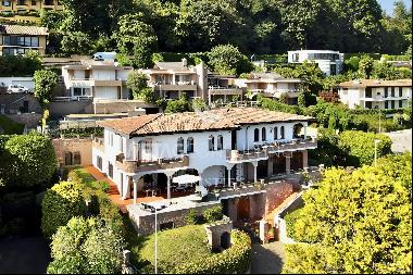 Elegant Mediterranean villa with guest house & magnificent lake view for sale in Lugano
