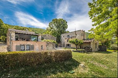 Pays du Ventoux - Beautiful renovated property in a peaceful environment