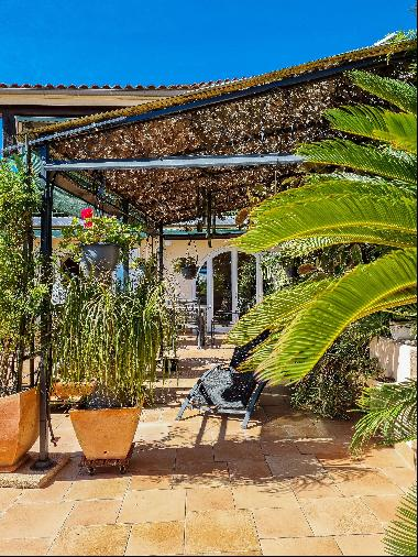 Village of Bormes les Mimosas charming mansion with beautiful view
