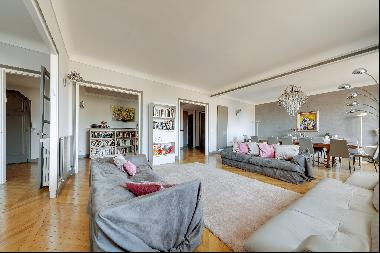 Family property in Neuilly-sur-Seine.