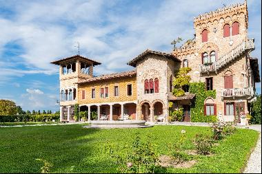 House within a noble historical complex with a centuries -old park