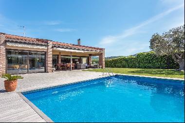 Elegant property in quiet setting in Sant Feliu de Guíxols